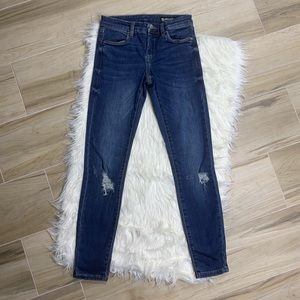 Blank NYC Distressed Spray On Blue Jeans Size 26